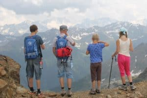 5 Reasons Why You Should Travel With Family